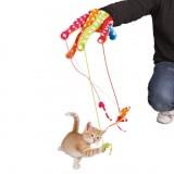 Trixie Игрушка плюш. перчатка цветная с 4 подвесками д/кош.