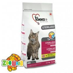 1st Choice Сухой корм для кастрированных котов и стерилизованных кошек Sterilized Chicken с курицей (2,4 кг)